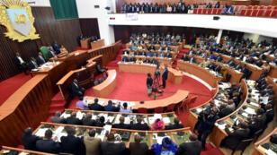 Les députés de l'Assemblée nationale à Abidjan, le 11 octobre 2016, avant les législatives.