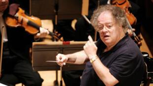 James Levine fue director de la Metropolitan Opera de Nueva York por cuatro décadas. Foto tomada el 9 de abril de 2017.
