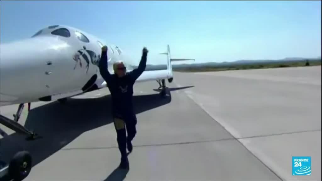 2021-07-12 11:12 Le milliardaire Richard Branson a réussi son premier vol dans l'espace