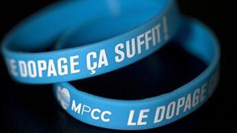 Le bracelet du MPCC porté par les coureurs