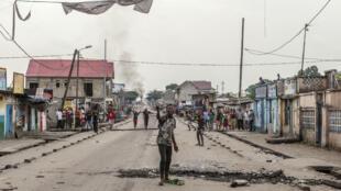 Des manifestants dans le quartier de Yolo à Kinshasa en RD Congo, pays traversé par une crise politique, le 20 décembre 2016.