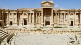"""جانب من آثار مدينة تدمر بعد أن استعادها الجيش السوري من أيدي تنظيم """"الدولة الإسلامية"""""""