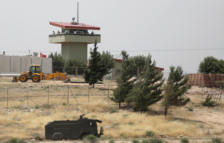 صورة أرشيفية لإحدى نقاط المراقبة التركية بمحافظة إدلب. سوريا