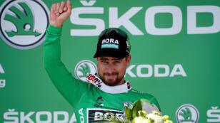 El ciclista eslovaco Peter Sagan celebra su victoria en la quinta etapa del Tour.