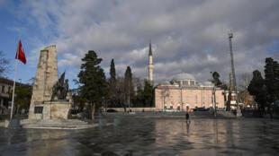 مسجد سنان باشا في بشيكتاش باسطنبول في 10 شباط/فبراير 2021