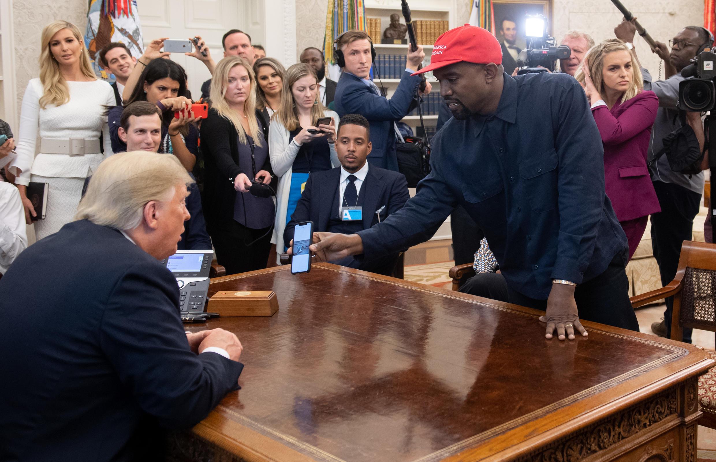 Kanye West rencontrant Donald Trump, le 18 octobre 2018, à la Maison Blanche.