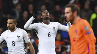 La France s'est imposée à Amsterdam face aux Pays-Bas (0-1).