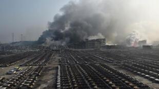 أدى الانفجار إلى غمامة ضخمة من الغبار امتدت على عشرات الأمتار