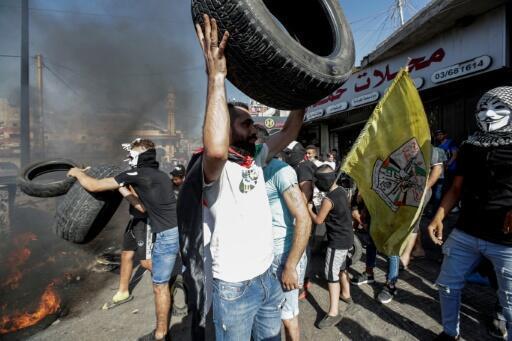فلسطينيون يتظاهرون ضد حملة رسمية لمكافحة العمالة الأجنبية غير الشرعية في لبنان
